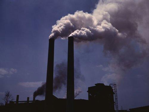 fossil-pollution_alfred-palmerwikimedia-commons-e1486560831397