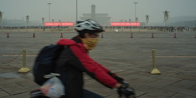 Dirty air in China's towns and cities is estimated to kill 4,000 to 5,000 people a day. Image: Lei Han via Flickr